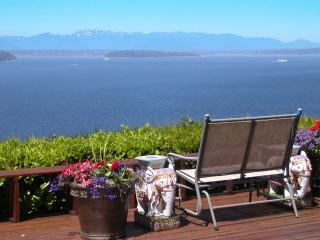 Garden View Room at Eagle's View B&B - Seattle Metro Area vacation rentals