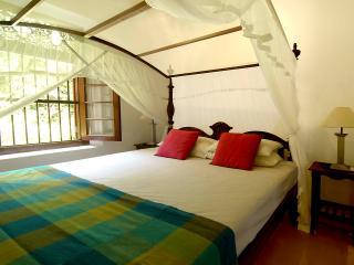 4 bedroom Villa with Internet Access in Ahangama - Ahangama vacation rentals