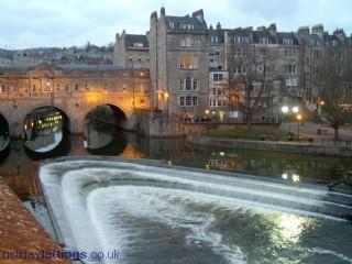World Famous Pulteney bridge - City Scene - Bath - rentals
