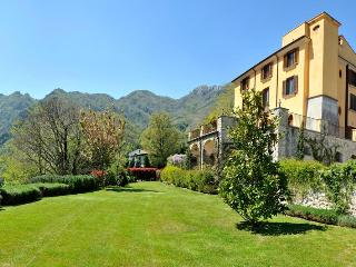 Wonderful B&B in ancient villa w/ enchanting garden close Amalfi Coast - Campania vacation rentals