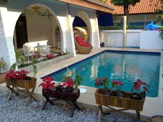 GRAND CONDOTEL VILLA ROSE WITH PRIVATE POOL - Pattaya vacation rentals