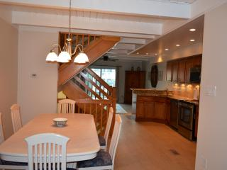 Remodeled 4 Bdrm Townhouse Steps to Private Beach! - Milford vacation rentals