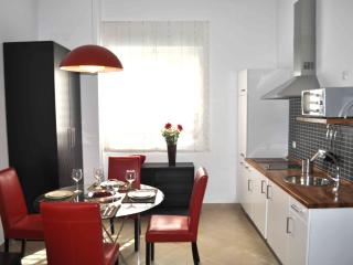 2 bedroom Apartment with Internet Access in Seville - Seville vacation rentals