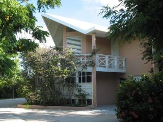 Couple's Retreat - Summer Sizzler $170 per nt - Turtle Cove vacation rentals