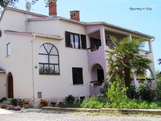 Apartment sourrounded by greenery 4 - 5 person - Pula vacation rentals