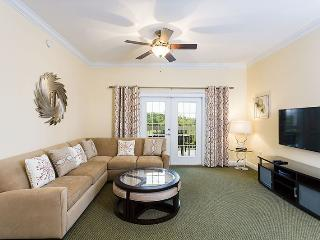 Heritage Crossing Modern Delight - 5 * Stunning Condo Close to the Pool with New Modern Furniture - Reunion vacation rentals