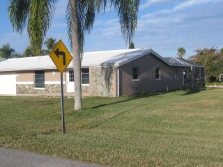 Beautiful 2 bedroom House in North Fort Myers - North Fort Myers vacation rentals
