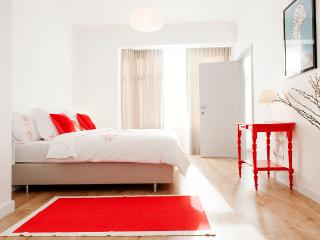 Ideal Short-Term Apartment Rental in Antwerp-Zuid - Antwerpen vacation rentals