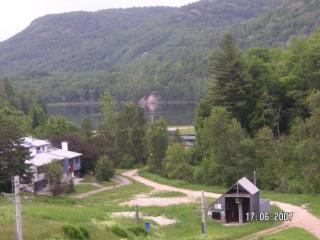 Golf Ski @ Les Retraites sur le Lac Mont Ste-marie - Lac-Sainte-Marie vacation rentals