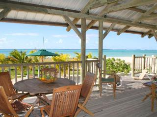 Villa Alizée, on the most beautiful beach of MRU - Pointe d'Esny vacation rentals