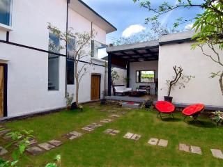 SAKAWESI, Stunning Duplex Pavilions - Sukawati vacation rentals