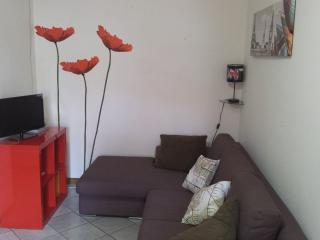 Comfortable Apartment with Washing Machine and A/C in Pula - Pula vacation rentals