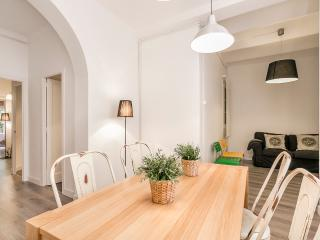 Sagrada Familia New & Comfortable - Barcelona vacation rentals