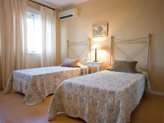 Macarena Flat next romans walls of Seville 7 pax - Seville vacation rentals