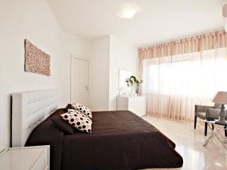 INNTRASTEVERE HOUSE - Rome vacation rentals