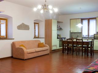 Attractive old house near Assisi - Umbria vacation rentals