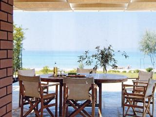4 bedroom Villa with A/C in Pefkohori - Pefkohori vacation rentals