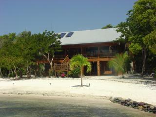 Casa de Playa -  Summer Special: Friends Save! - Utila vacation rentals