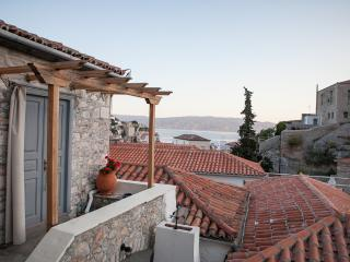 2 bedroom House with Internet Access in Hydra Town - Hydra Town vacation rentals