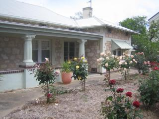 MacDonnell House - South Australia vacation rentals