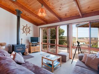 Sea, valley and lighthouse views in quiet cosy setting - Fairhaven vacation rentals