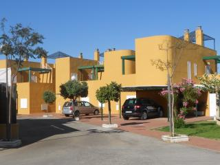 House near the beach / Adosado cercano a la playa - Chipiona vacation rentals