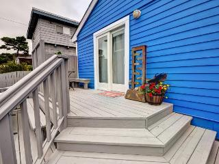 Dog-friendly house w/private hot tub & enclosed yard close to the beach - Seaside vacation rentals