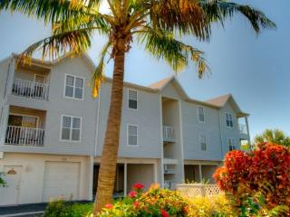 The Cove at Sandy Pointe 213 - Anna Maria Island vacation rentals