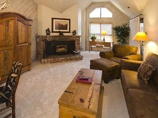 Aspen Creek Condo Perfect for Couple or Family ~ RA467 - Mammoth Lakes vacation rentals