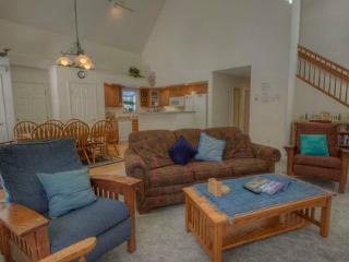 Lake Tahoe Cottage with Jacuzzi Hot Tub ~ RA680 - Kirkwood vacation rentals