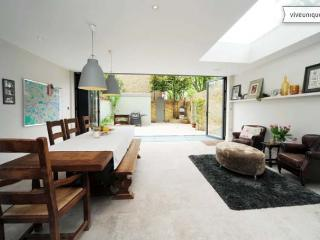 Charming 5 bedroom London House with Internet Access - London vacation rentals