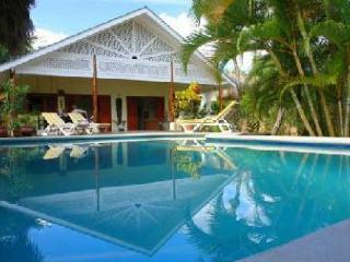 Cozy 3 bedroom Las Terrenas Villa with Internet Access - Las Terrenas vacation rentals
