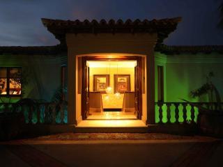 Grande Vista - Tuscan Villa/Guesthouse - Kidd's Beach vacation rentals
