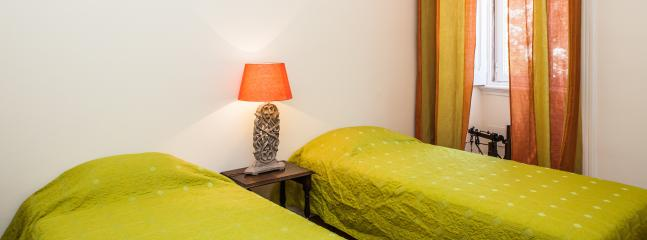 Piano Apartment with a Patio - Image 1 - Lisbon - rentals