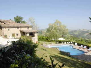 4 bedroom Italian villa with very private  pool - Gualdo vacation rentals