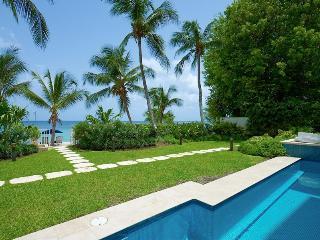 Smugglers Cove 1 at Paynes Bay, Barbados - Beachfront, Communal Pool, Tropical Gardens - Paynes Bay vacation rentals