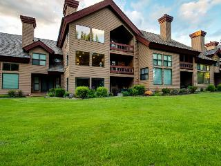 Riverfront condo with shared pool, surrounded by beauty - McCall vacation rentals
