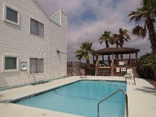 Casa Mar y Sol is walking distance to the Beach and Gulf of Mexico - Corpus Christi vacation rentals