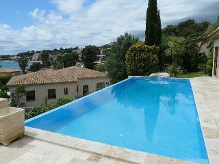 Villa with swimming pool & terrace, 400 m from beach - Le Beausset vacation rentals