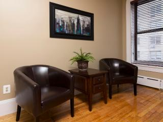 Sleeps 4! 2 Bed/1 Bath Apartment, Midtown East, Awesome! (8346) - Manhattan vacation rentals