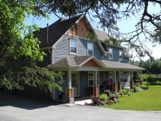 B & B Gite La Marmotte, Eastman (Magog) Eastern Townships - Eastman vacation rentals