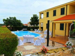 Luxury Villa Mare/Comfort Two-Bedroom Apartment A2 - Rovinj vacation rentals