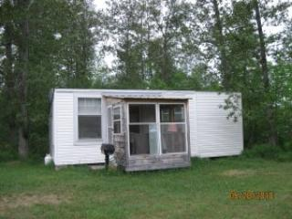Riverview cabin - Cabin on the water in northern Ontario - Field - rentals