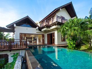 Three bedroom Villa Cantik with beach access - Ungasan vacation rentals