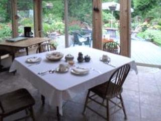 3eagles B&B  Close to  Sidney By the Sea  -  BC - North Saanich vacation rentals