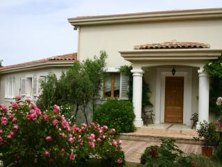Villa Verona sleeps 8 with 4 bedrooms two Bathroom - Vidauban vacation rentals