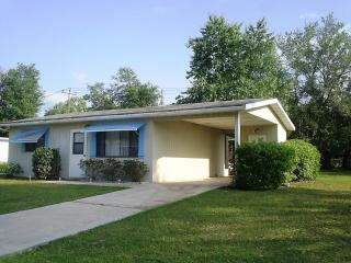 Affordable Cozy Vacation Home on Quiet 55+ Communi - Hernando vacation rentals