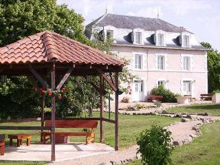 Beautiful 12 bedroom Vacation Rental in Saint-Saud-Lacoussiere - Saint-Saud-Lacoussiere vacation rentals