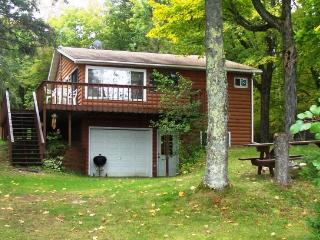 Nice Cottage with Deck and Water Views - Hayward vacation rentals