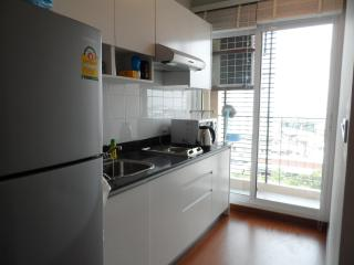 1 BR+ Self-contained Condo, WIFI/BTS Central Bangkok - Gambell vacation rentals